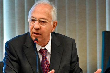 presidente do sinduscon df recebe titulo de cidadao honorario de brasilia